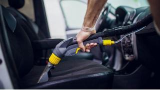 Скидка до 79% на комплексную химчистку салона и заправку кондиционера автомобиля в Строгино от в техцентре АвтоШинЦентр!