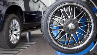 Делай все вовремя! Шиномонтаж и балансировка четырех колес от R13 до R21 в автосервисе «Аквариум»! Скидка 70%!