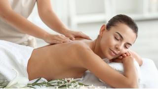 Скидки на массаж в СПБ! Различные виды массажа в студии красоты «Матрешка» со скидкой до 52%!