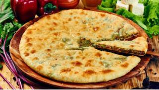 Доставка работает каждый день! Осетинские пироги и пицца от службы доставки Tavernafood: от 3 до 25 штук! Скидка до 81%!