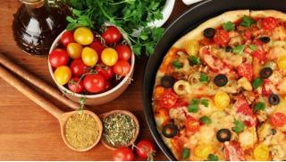 Доставим в любую точку! Осетинские пироги и пицца с бесплатной доставкой от пекарни «Вкус Осетии»! Скидка до 81%!