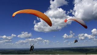 Взмываем ввысь! Полет с инструктором на параплане для одного или двоих от парапланерного клуба «Мечта летать»! Скидка 52%!