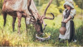 Детям и взрослым! Экскурсию «Знакомство с северными оленями и ездовыми собаками хаски» на зооферме WalkService! Скидка 50%!