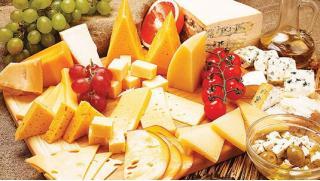 Купи сыр со скидкой! Подарочные наборы сыров и других деликатесов к любому торжеству от магазина «Сыры мира»!