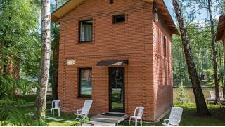 Отдых на семейной базе отдыха «Золотая рыбка» со скидкой 50%! От 2 дней в номере или гостевом домике!