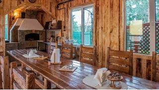 Скидка до 45% на отдых в Подмосковье с завтраками, хамамом с бассейном и мангальной зоной в гостевом доме «Марс Хауз»!