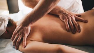 Массаж от частного мастера Виталия Грантовича со скидкой 75%! Общий, антицеллюлитный, массаж головы, спины и не только!